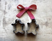 Can't Catch Me - Vintage Gingerbread Cookie Cutters - Gingerbread Men - Holiday - Christmas - Rustic - Kitchen - Baking - Under 20 - becaruns