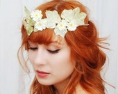 Wedding circlet, daisy flower crown, vintage wedding hair accessories - Meadow - gardensofwhimsy