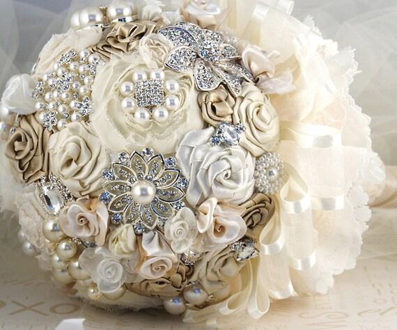 Брошь букет Свадебный букет Vintage Style Jeweled Букет в Шампани, сливки и слоновой кости с кружевом
