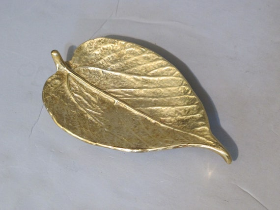 Vintage Paper Mulberry Leaf Virginia Metalcrafters / Decorative Gold Leaf Tray, Brass Dish Sand Cast Key Holder Vanity Tray Ring Holder