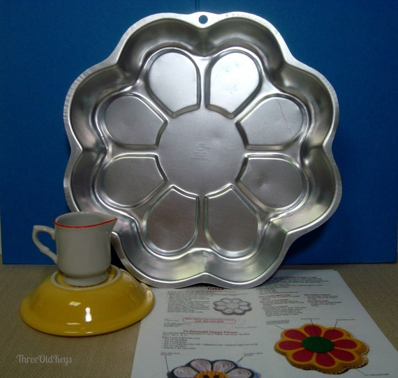 Flower Power Cake Pan Wilton Daisy Sunflower Wilton 2105 3055