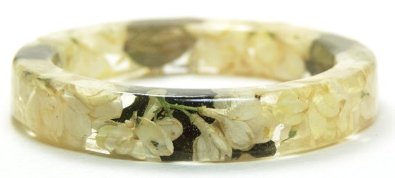 White Flower Resin Bangle-Real Dried Flowers-Real Leaves-Green Bangle-Green Bracelet-Green Jewelry-White Bracelet-White Jewelry