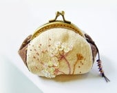 Coin purse / metal frame purse / embroidery purse / metal frame / 8.5 cm frame purse - made to order - DooDesign