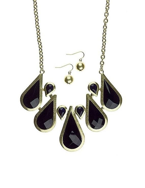 Acrylic Teardrop Statement Necklace Black