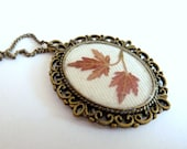 Woodland Necklace, Red pressed leaf, Resin Jewelry,  teamhandmade - FloraBeauty