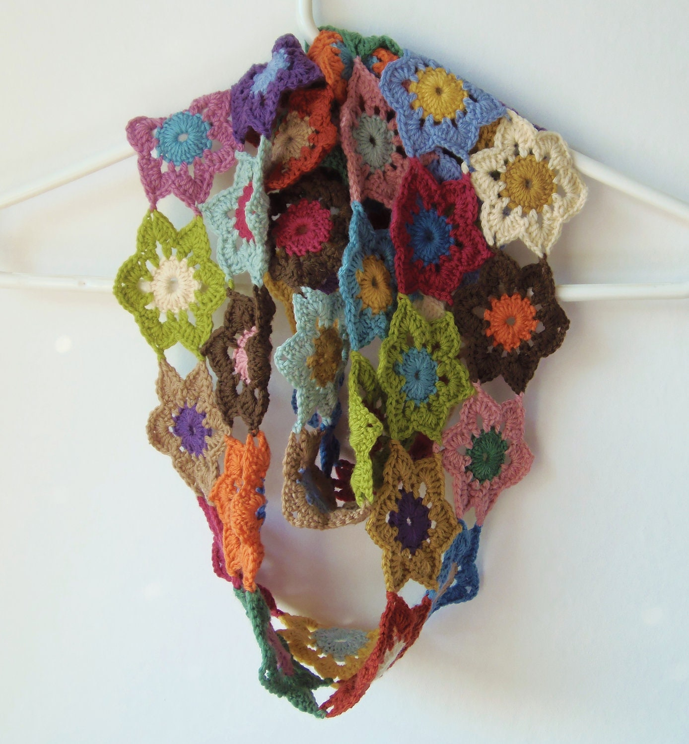 Vintage Colours Crochet Flower Scarf Wool by Yarnhappiness Crochet Flower Scarves