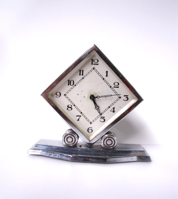 CHROME ART DECO Mantel Clock Ornate Sleek Diamond Silver geometrical Alarm clock