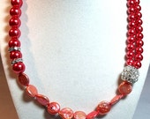 Coral Glass and Coin Pearls Necklace by 2CarasCreations