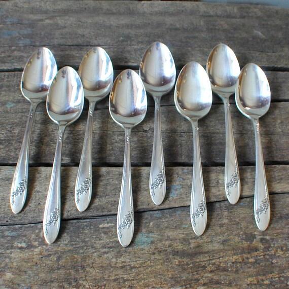 Silver Teaspoons QUEEN BESS 1946 Tudor Plate