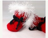 ON SALE Crocheted Santa Claus Baby Booties - Holiday booties - Santa Claus Boots - Red baby booties - BitsOfFiber