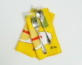 Set of Four Vera Neaumann Picnic Napkins - Mid-Century Cloth Napkins - thewhitepepper