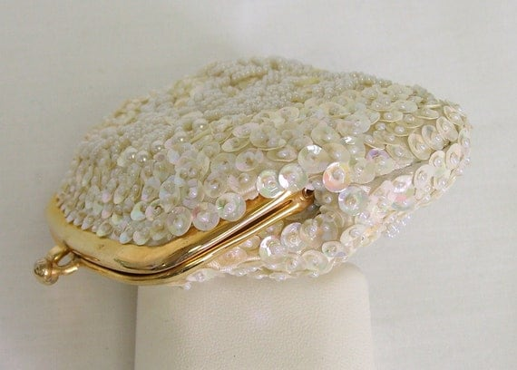ivory bridal clutch vintage 1950s or 1960s