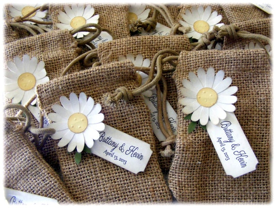 BURLAP WEDDING or shower favor bags with a rustic vintage daisy and CUSTOM tag - set of 10