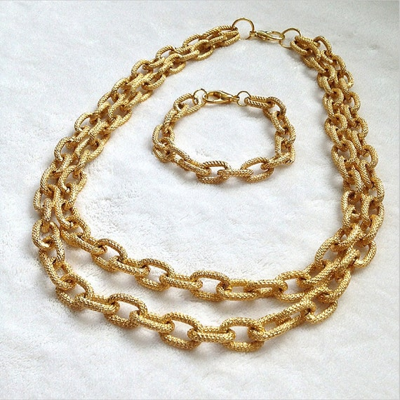 GOLD Faux PAVE LINK Textured Chain Necklace