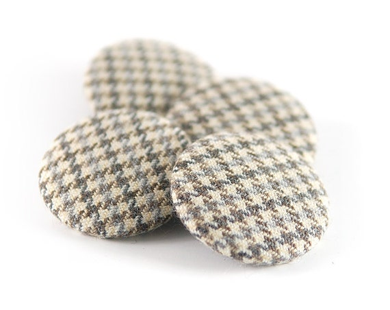Grey Houndstooth Wool Buttons. 1.5 inch Fabric Covered Buttons. Gray Beige Plaid Tartan Tweed. Vintage Wool. Vintage Tweed Fabric