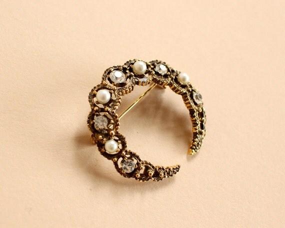 vintage 60s brass peal rhinestone crescent moon pin brooch