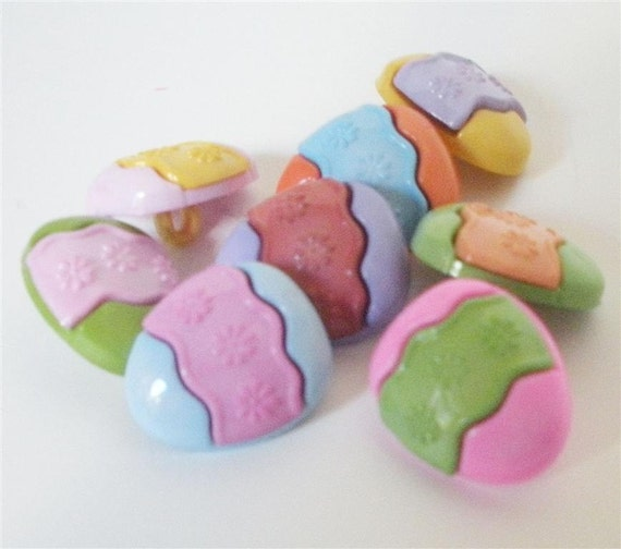 Easter Egg Buttons by Buttons Galore