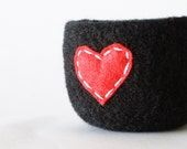 felted wool bowl  -  black wool with bright cherry red eco felt heart - ring holder, anniversary gift, valentine's day gift - theFelterie