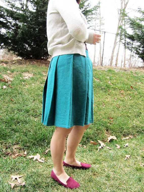 Button Up Pleated Linen Skirt in Peacock Green