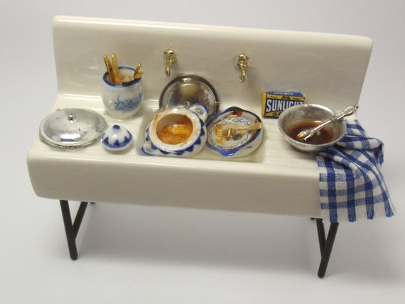 Miniature - Busy Country Kitchen Sink