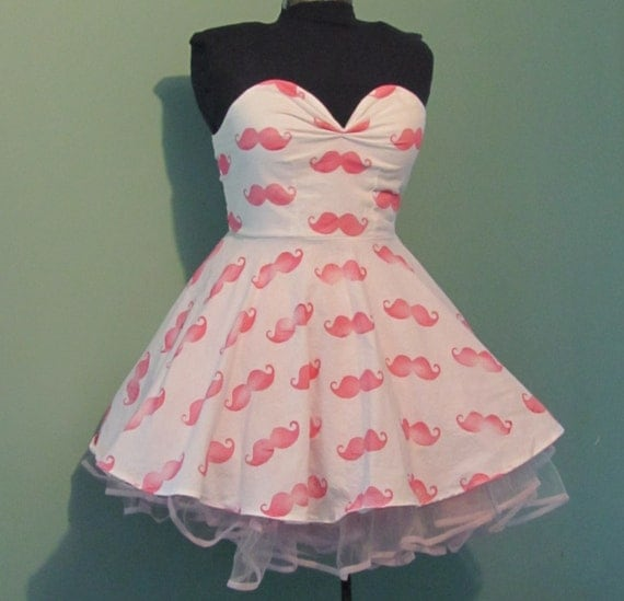 Womens White with Pink Mustache Print Dress Vintage Inspired Full Skirt Sweetheart Neckline size Medium