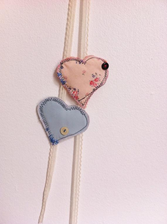 Lot de 2 barrettes à  en forme de coeur/ ton de bleu et rose