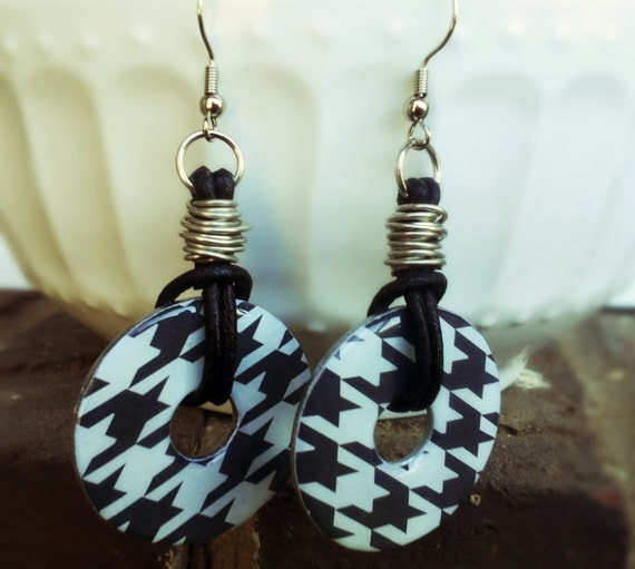 Houndstooth Earrings / Wire Wrapped / Leather Dangle Earrings