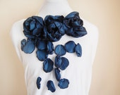 Night - handmade flower necklace/ mur Mur