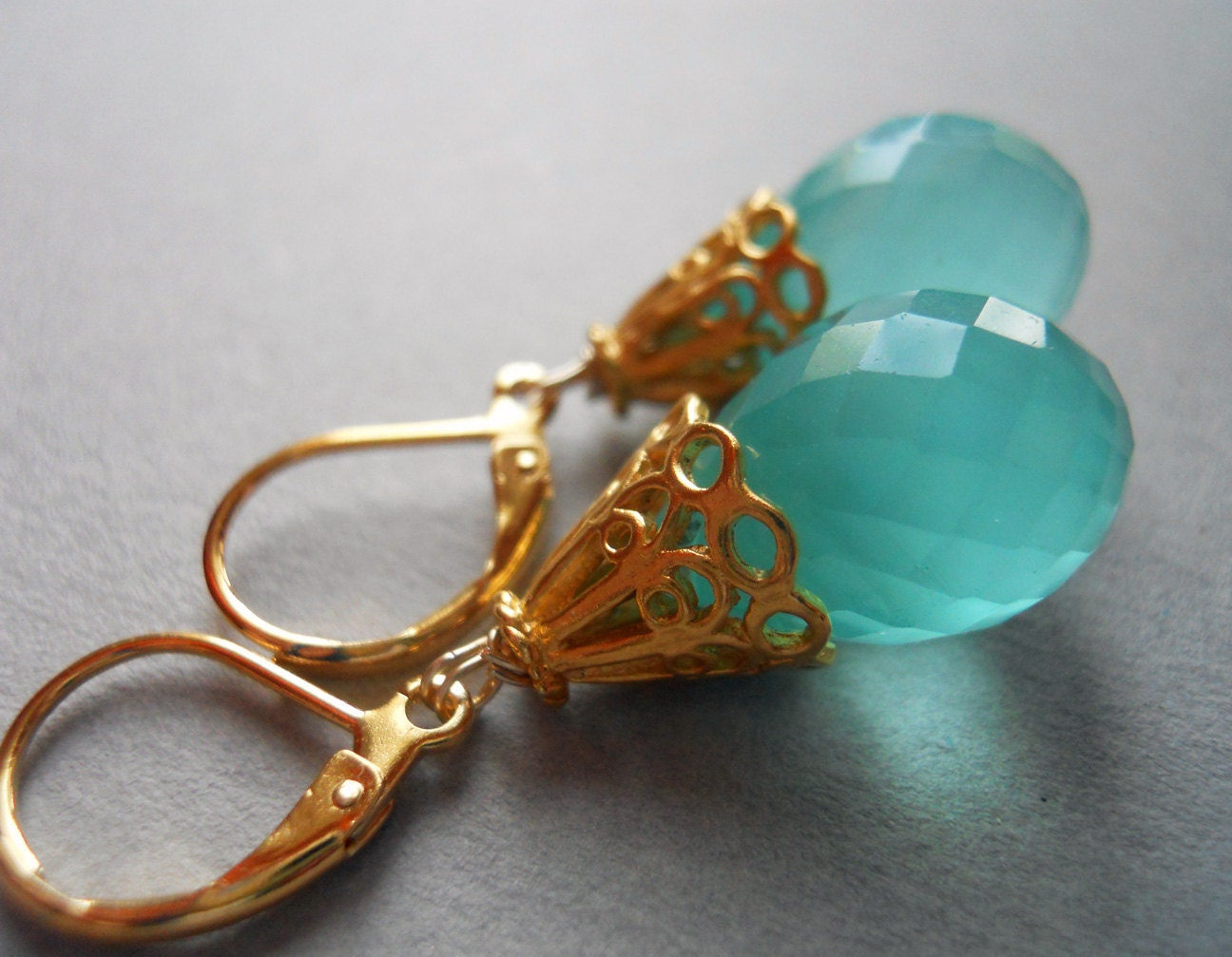 Qargha Seafoam Chalcedony Teardrop Earrings Gold RARE - $56.00 USD