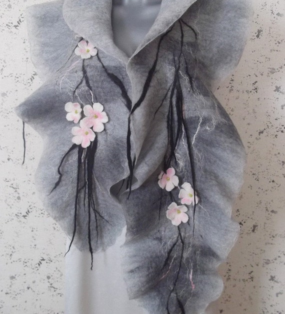 Merino wool scarf / blooming garden / shawl / / wrap / gray / flower / spring
