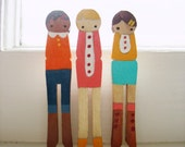 handmade wooden folk art miNi clothespins brooches  ... buttoned up set of three