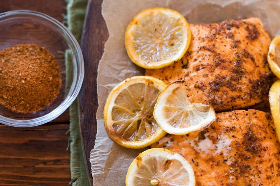 BBQ spices - dry rubs, grilling seasonings - barbecue meat, fish, grilled fruit kabobs