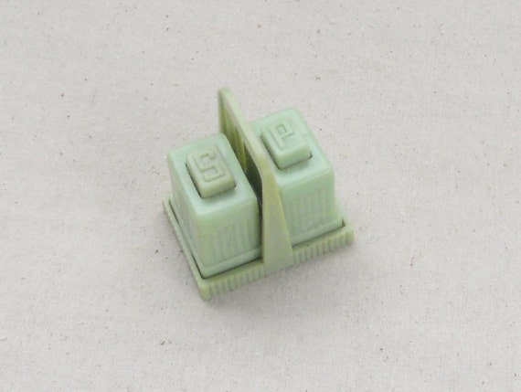 Art Deco Jade Green Carvanite Celluloid Salt and Pepper Shaker Set, Retro