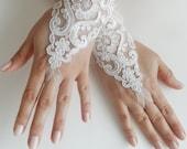 Free shipping, Wedding Gloves, gloves, Fingerless Gloves, white wedding gown, off cuffs, cuff wedding bride, bridal gloves, white gloves - WEDDINGHome