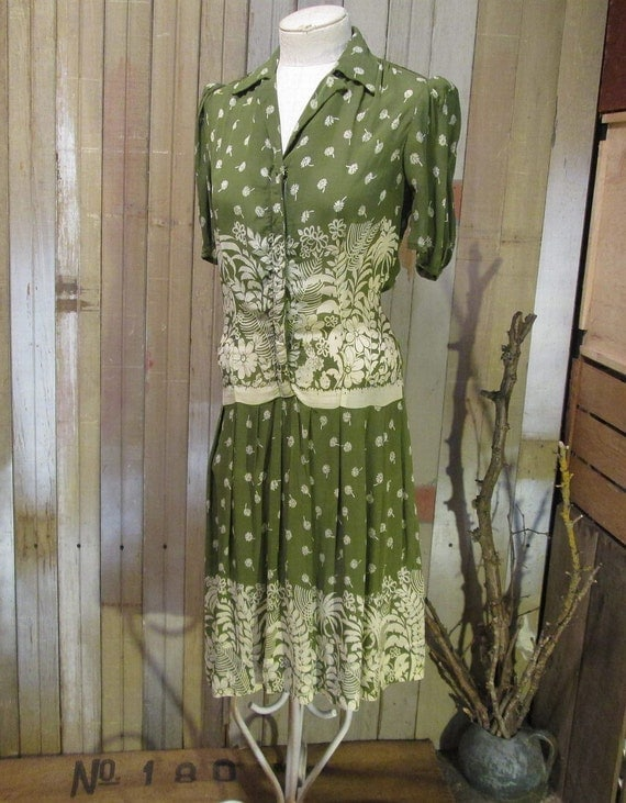 30s 40s Rayon Vintage Dress Sheer Fern Palm tropical Daisy print moss green S M