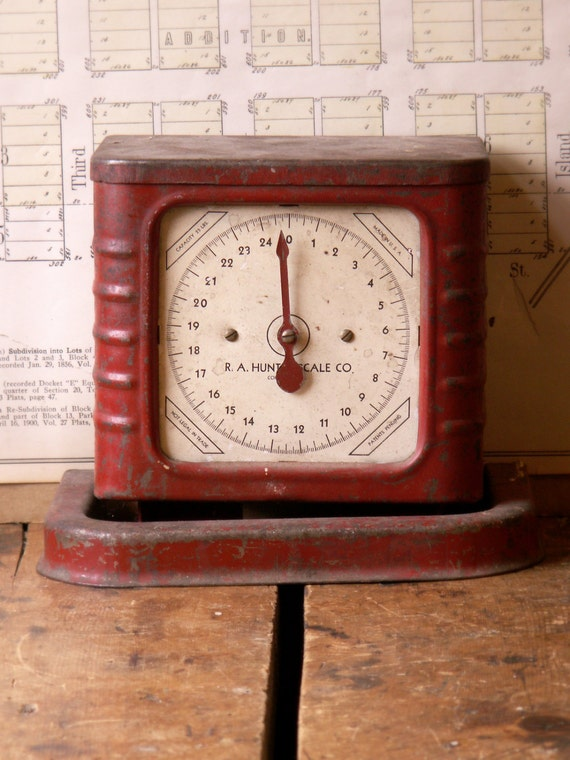 Vintage Red R.A. Hunter Art Deco Kitchen Scale