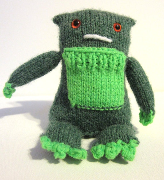 Tooth Fairy Pillow, Small Monster Toy, Monster Birthday, Green Stuffed Monster, Birthday Gift for Boy, Mini Munchi Monster