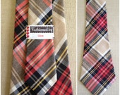 1970s Vintage Red and Tan Plaid Wide Necktie - OdettesVintage