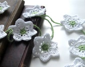 Beautiful crochet flower garland - White
