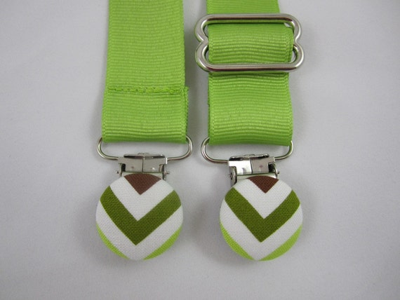 Chevron Nursing Clip - Lime Green and Chevrons - Baby Gender Neutral - Adjustable Bib Clip - Ann Kelle - Urban Zoologie