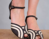 1930s heels . 30s ankle strap black and white canvas peep toe heels . art nouveau . us 6.5 uk 4.5 eu 37.5 - coralvintage
