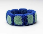 Hand felted bracelet in navy blue and mint. Felt fashion. Geometrical, Squares. Fiber art. - EttarielArt
