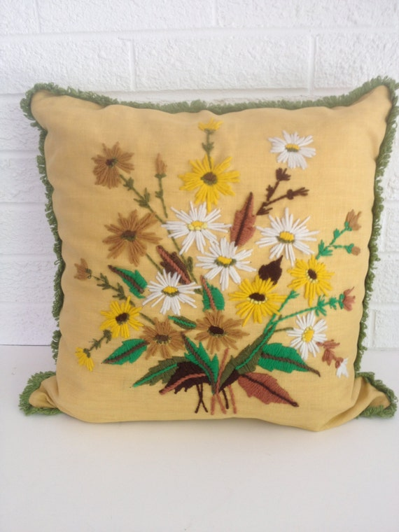 Vintage Daisy Crewel Embroidery Pillow