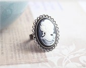 Black cameo ring,  adjustable cabochon cocktail antiqued brass toned vintage style jewelry - MacKenziesAttic