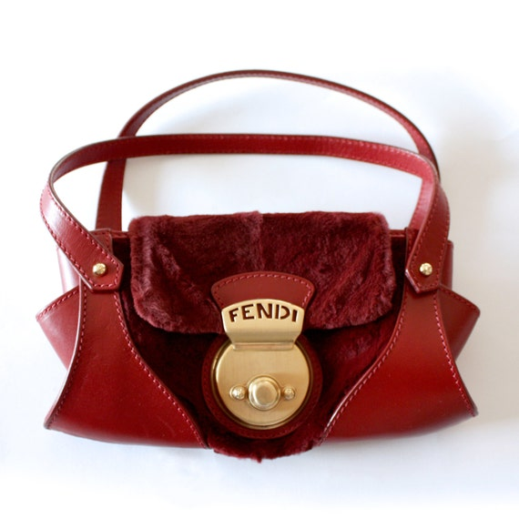 1990s Fendi purse in red leather and fur with gold clasp