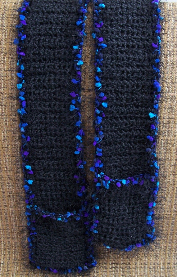 Black pocket scarf