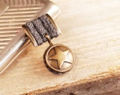 Handmade medal. Knitted with gray wool and decorated brass button with a star - Artanika