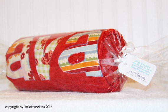 Gift Wrap for Personalized Towels with Custom-made Tag