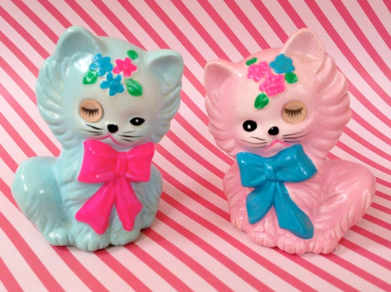 Rare Vintage Kitsch Lovely Pair of Pink and Blue Matching Kitty Cat Salt and Pepper Shakers with Winking Eyes Lugenes Japan