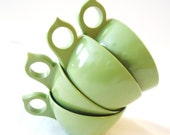 Four Avacado Green Melamine Cups, Retro